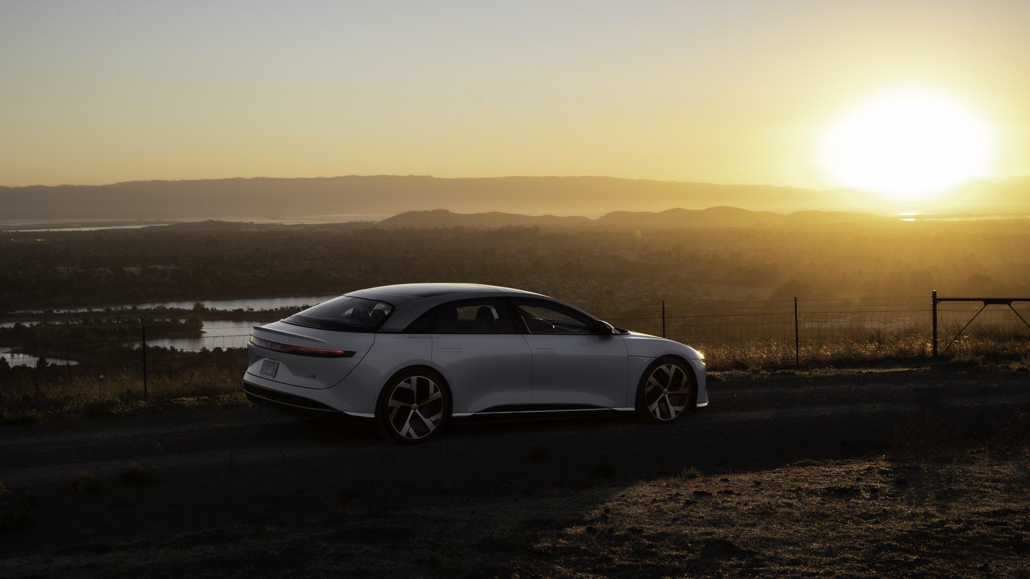 传统巨头集体围剿特斯拉?2021最值得期待的十大智能电动新车