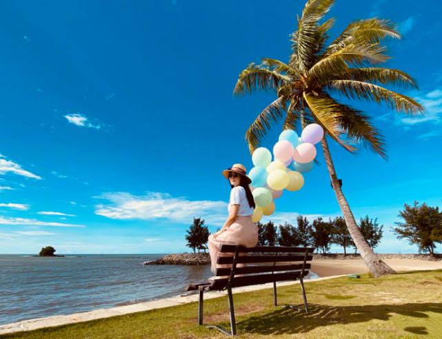 吳尊一家四口旅遊慶生,與老婆海邊擁吻甜如熱戀,浪漫幸福溢出屏