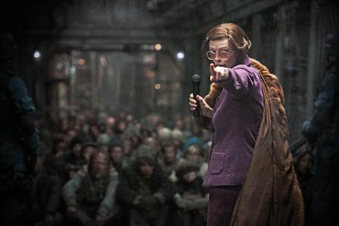 """从《雪国列车》的隐藏情节,解读""""反乌托邦""""电影的社会批判性"""