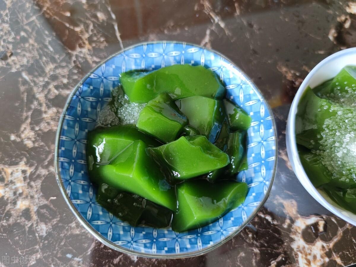 """神仙树叶:夏季做""""凉粉""""是一绝,俗称""""神仙豆腐"""",附制作方法 美食做法 第2张"""