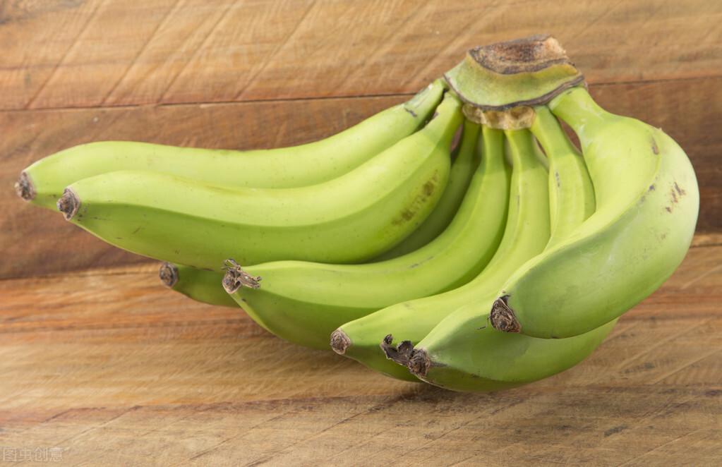 香蕉吃生一点还是熟一点?一根香蕉竟然可以治2种消化道疾病