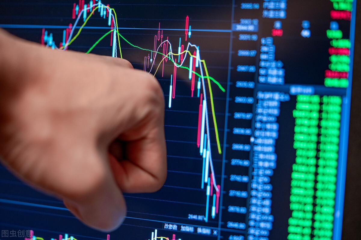 工商银行1天赚10亿不及预期,股价大跌8%,股息达5%,散户要抛吗