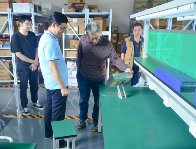 河南省计量协会考察指导郑州新益德研发装配测试中心建设工作