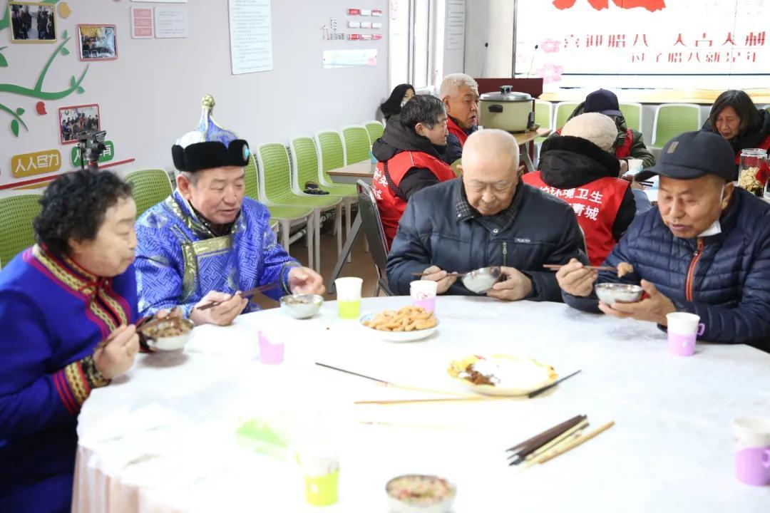 【文明实践在行动】在这个社区 有9个民族的居民一起过腊八节