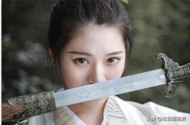 中国4大名剑:干将莫邪只能排第二,第1尘封千年出土还能伤人