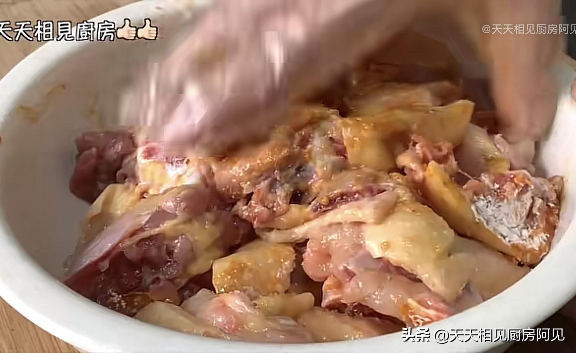 清蒸雞就是這麼簡單,做法步驟都在這,雞肉嫩滑,每次一隻不夠吃