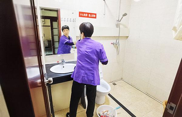 管中窥豹:从卫生间看医院的管理和服务