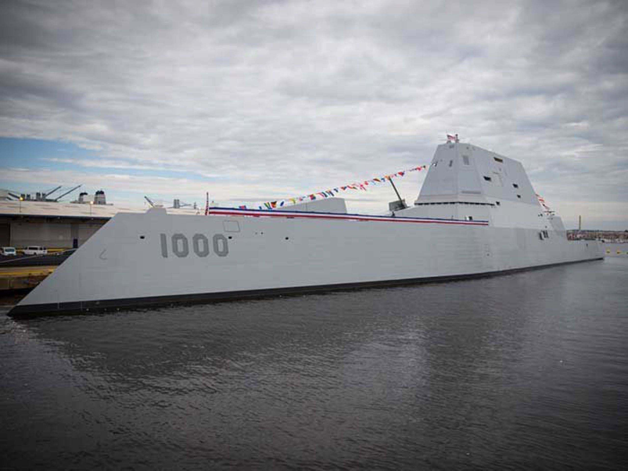 全面隐身设计性能强劲,近海作战的万吨巨舰,美军黑科技集中体现