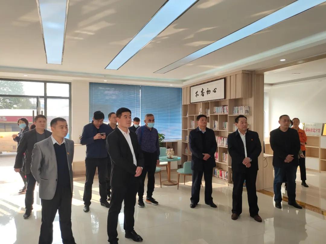 全区党外代表人士暨统战骨干培训班成员到吴林观摩调研