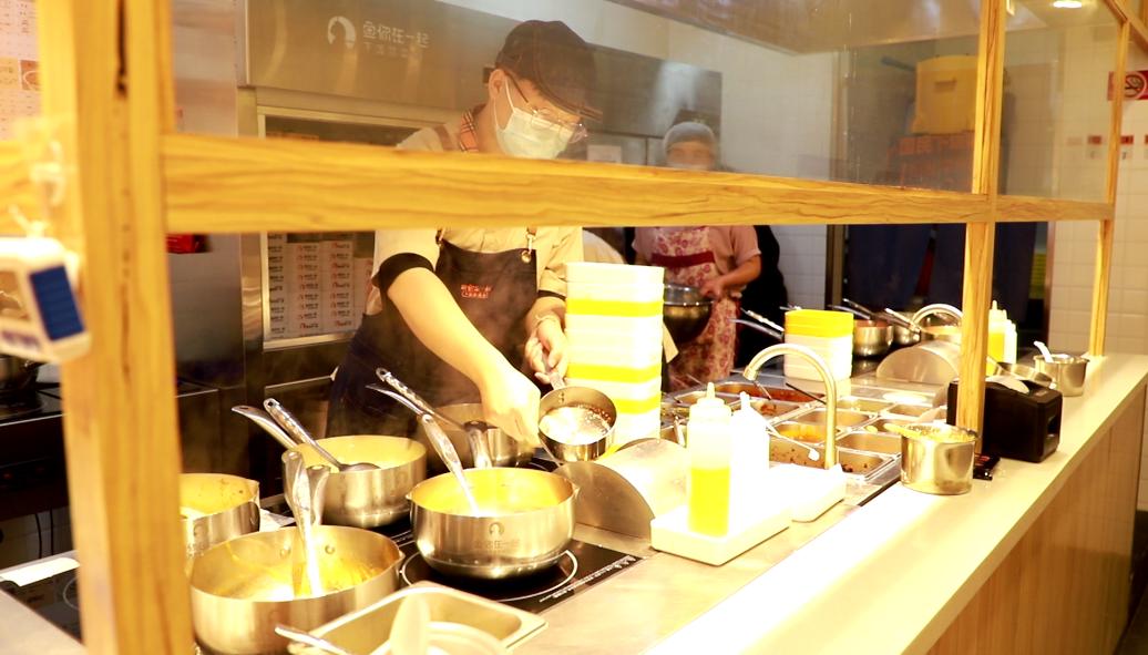 月均流水25万,朝阳区饿了么外卖第1名,银行职员成功跨界餐饮