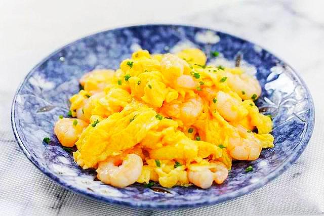水炒蛋,大家吃过吗?鲁菜中的经典菜,用清水炒蛋,鲜香又滑嫩 美食做法 第5张