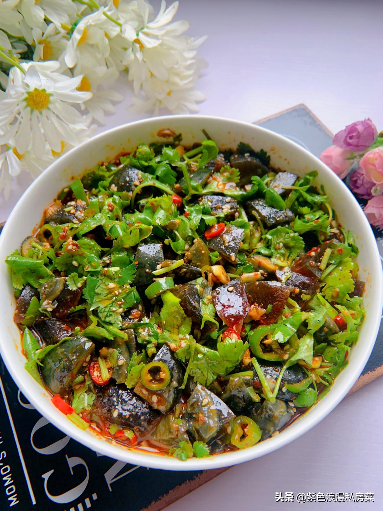 胃口不好的时候,最爱这道菜,简单拌一拌,酸辣开胃,越吃越香 美食做法 第9张