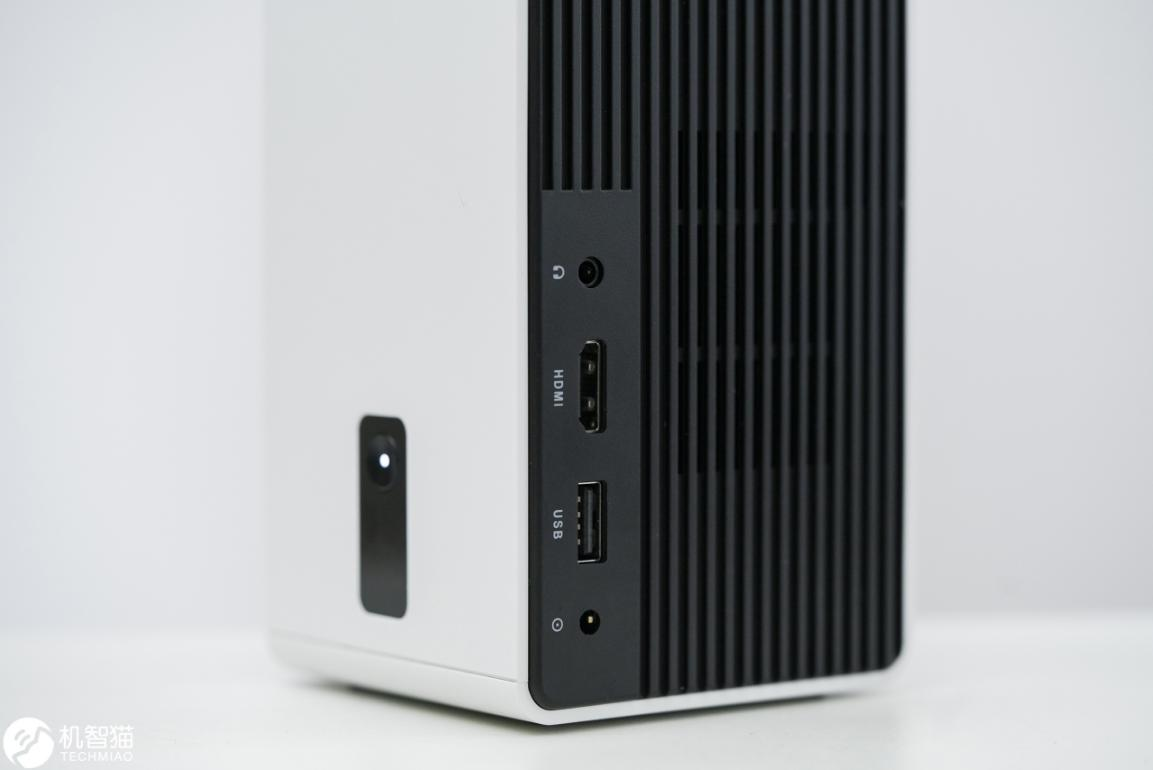 当贝小投影C2体验:2000块,买它还是60英寸电视?
