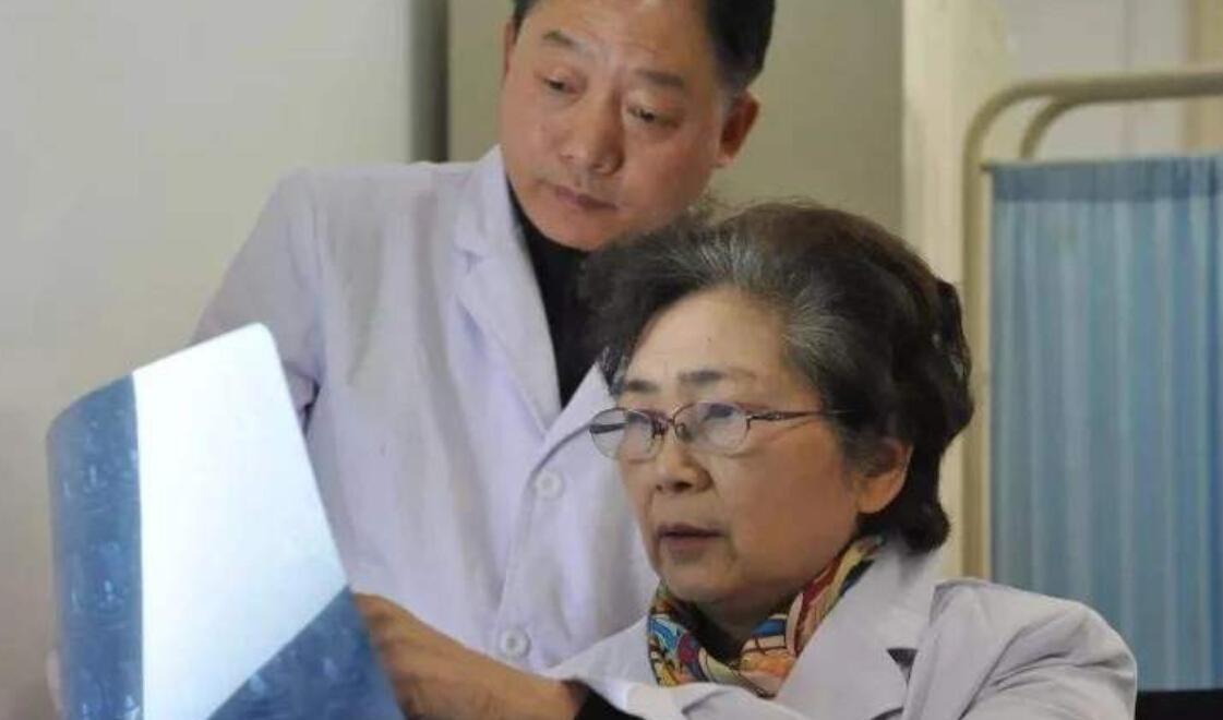 喜报!2名急危危重症症患者惊喜搬离ICU,朋友:李兰娟是中华民族民族铮铮铁骨