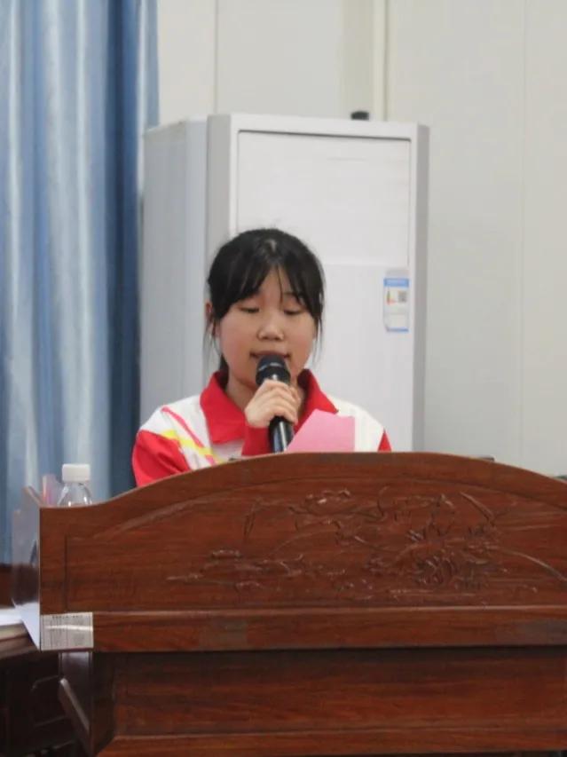 学党史 强信念 跟党走丨69名团员光荣加入中国共产主义青年团
