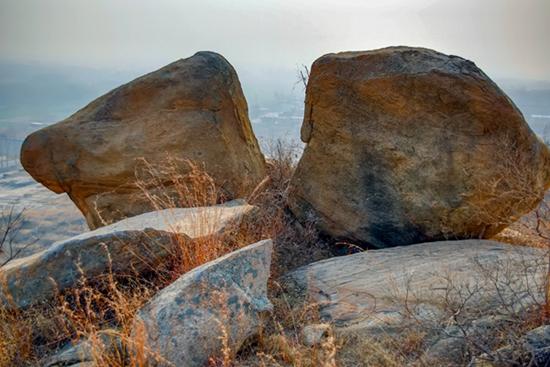 石头记——读沂蒙老杆(翟小锋)的摄影集《大地母亲的恩赐》