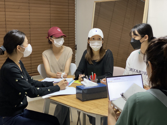 她们只会说谎!这个女团为何失信于韩国网友?前后说法不一致太多