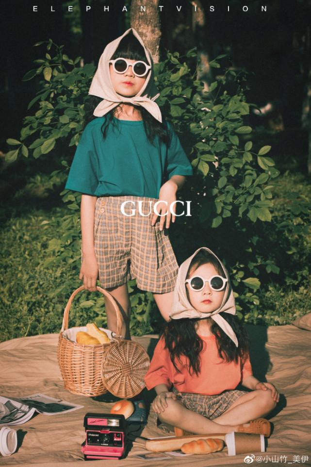 """鄧倫""""女兒""""小山竹曬姐妹大片過六一,姐倆像極雙胞胎,顏值超高"""