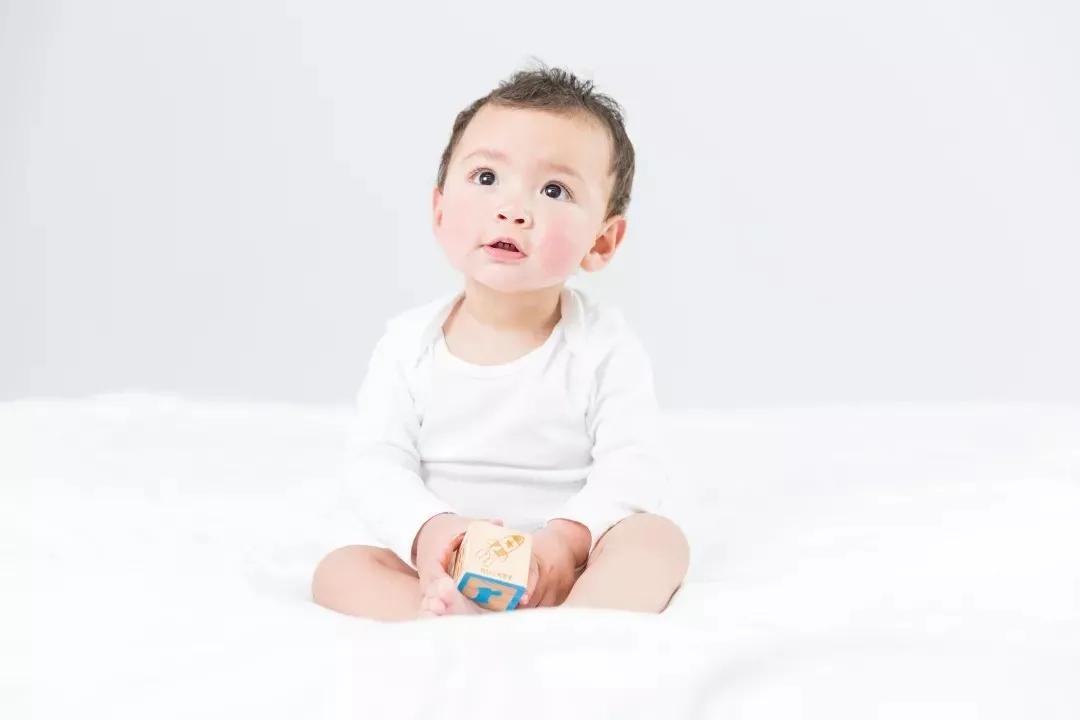 「育儿」宝宝湿疹怎么办?学一学这些家庭护理方法