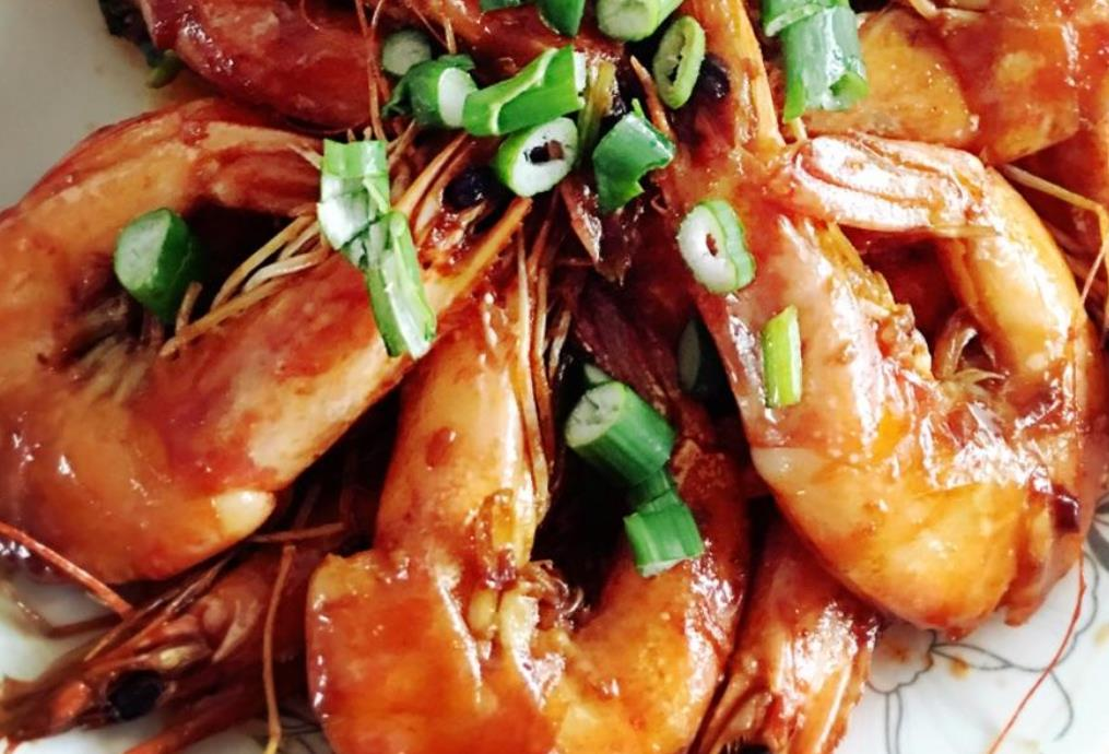 【油焖大虾】 鲁菜菜谱 第2张
