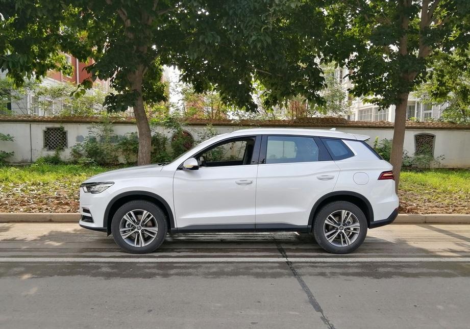 这三款SUV油耗低,有面子动力强劲,普通人也养得起