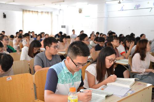 这几类大学生真不适合读研,就算参加考试也徒劳,认清自己很重要
