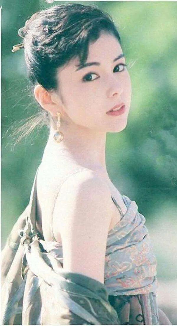 日本昭和时代最后一位绝世美人—泽口靖子,穿旗袍美出新高度