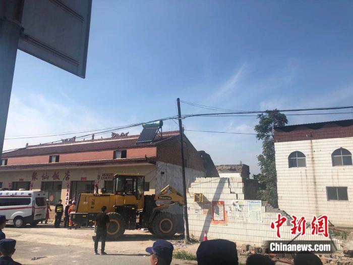 山西襄汾发生饭店坍塌事故已致17死 山西省委书记、省长作批示