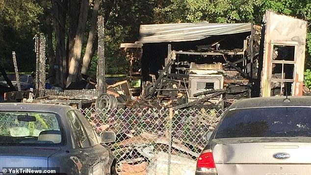 美国消防员正扑灭野火,妻子和3个孩子刚搬入新家就遇火灾丧生