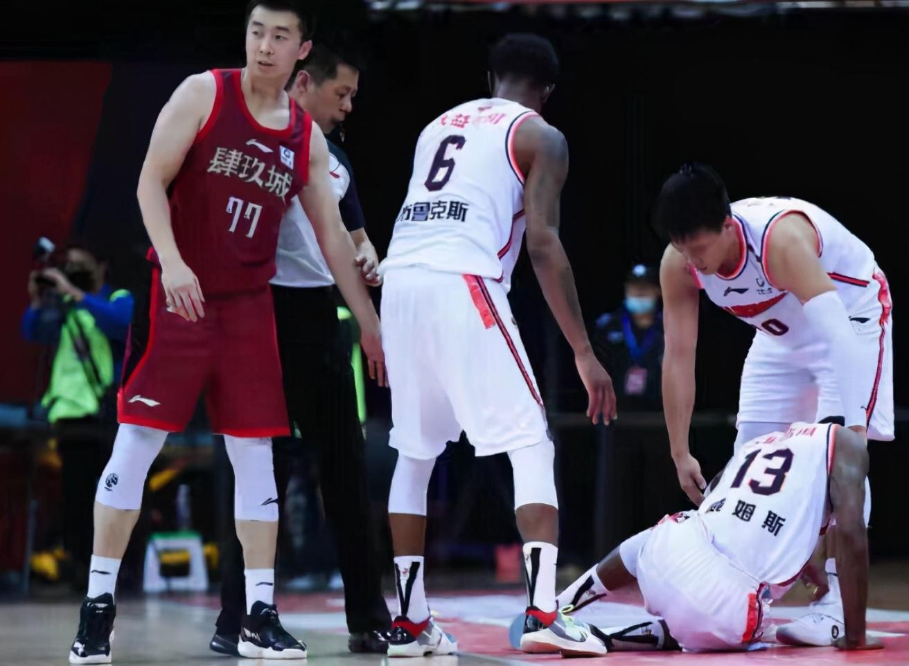 终有北京媒体人炮轰王骁辉了,资深记者批王骁辉和首钢输球又输人