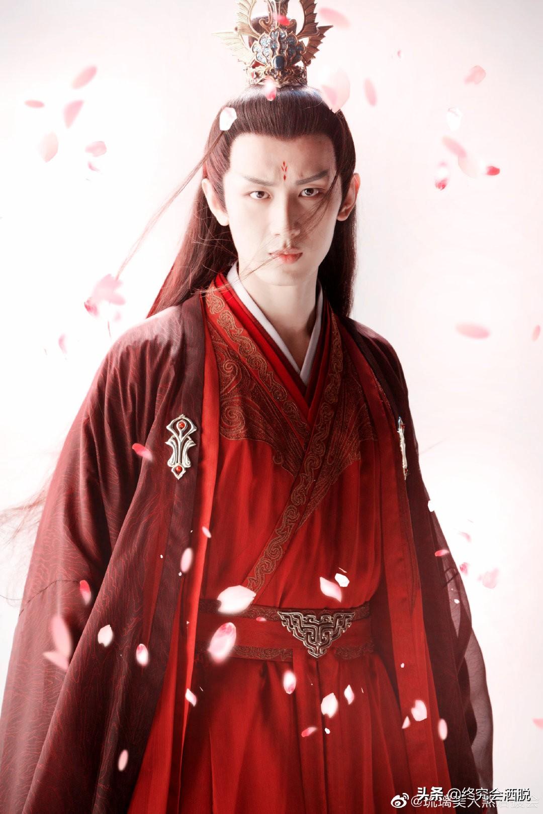琉璃:成毅的司凤、袁冰妍的璇玑、白澍的腾蛇、侯梦瑶的紫狐,妙