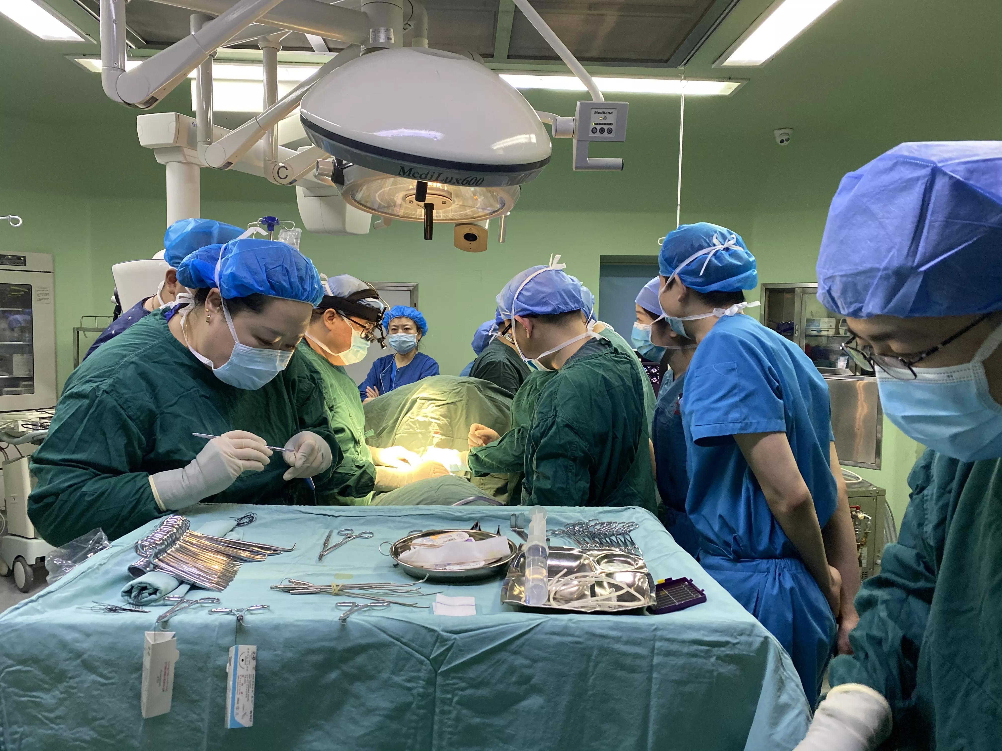 全国首例!北京儿童医院与哈尔滨市儿童医院专家团队同台完成国内首次微创右侧小切口完全性心内膜垫矫治手术