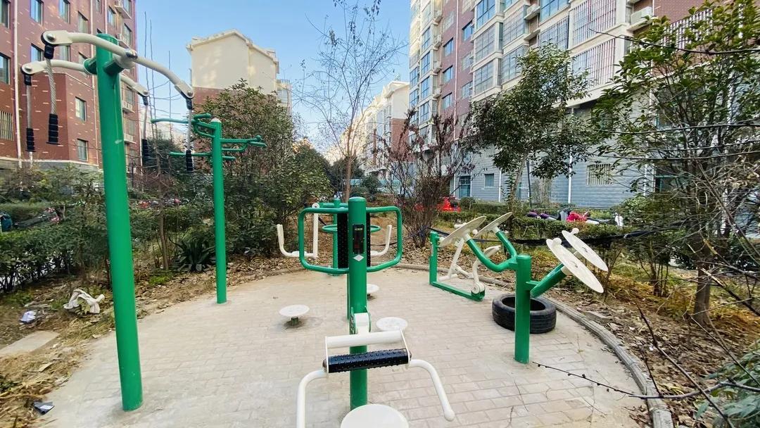 荥阳又一批健身设施建成投用,包含6个社会足球场地