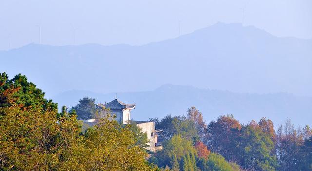 河南安静的县城——商城县,有着响亮的名字,却被埋没在大山深处