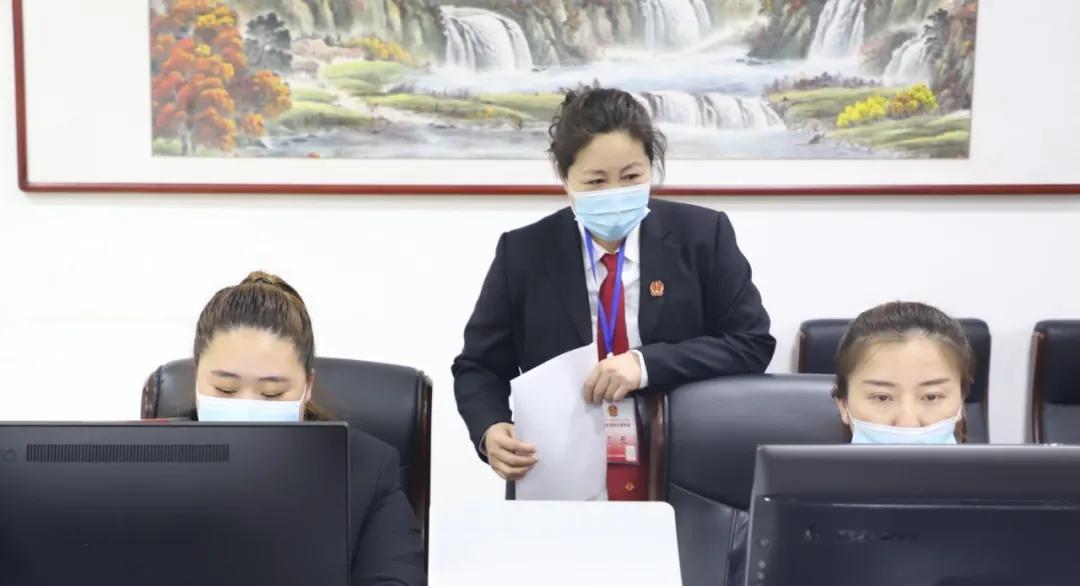 尖山法院举办聘用制书记员择优过渡考试考核