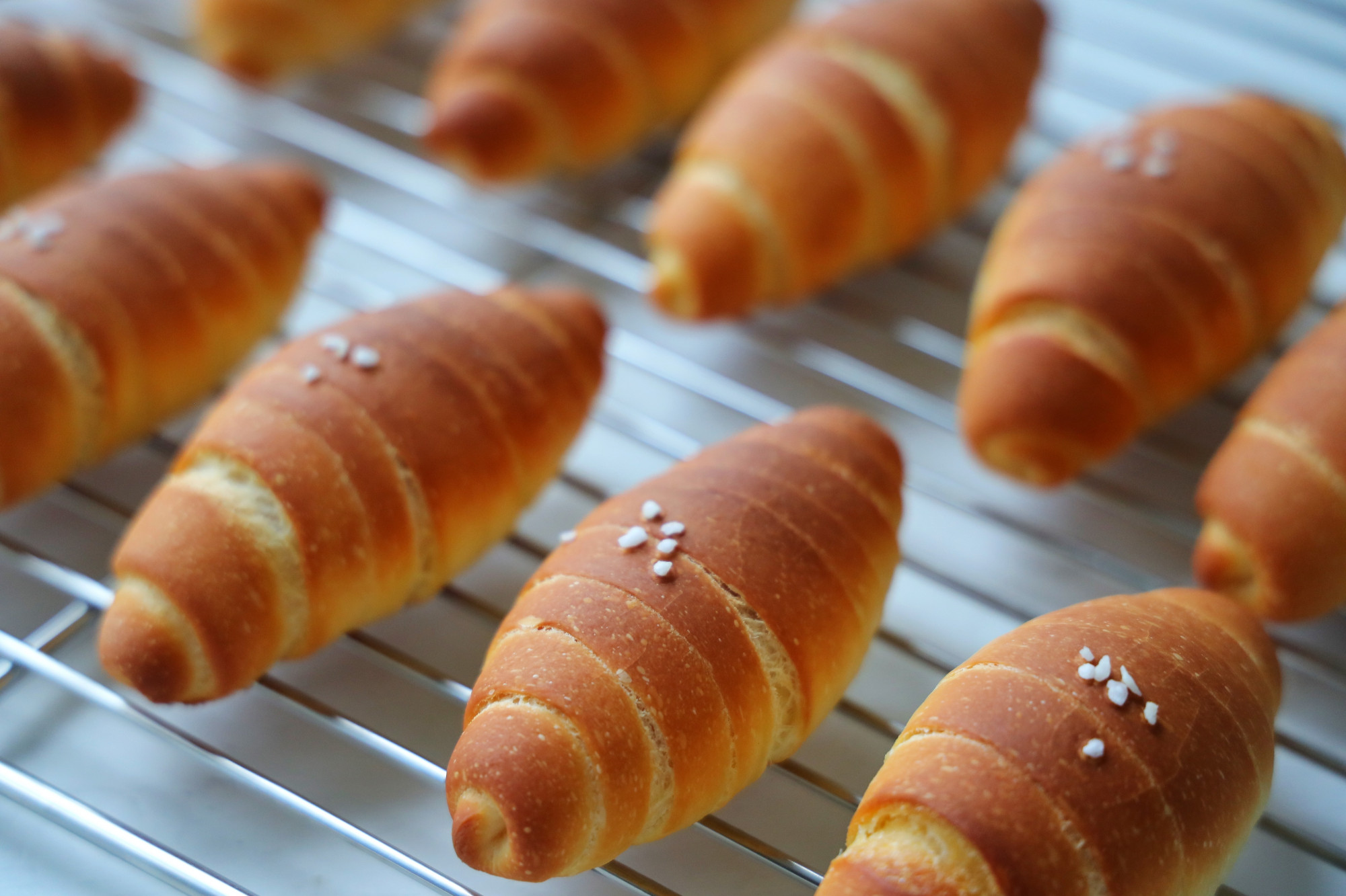 超愛的日式鹽麵包,做法不難,新手也能成功,又軟又酥脆,太愛了