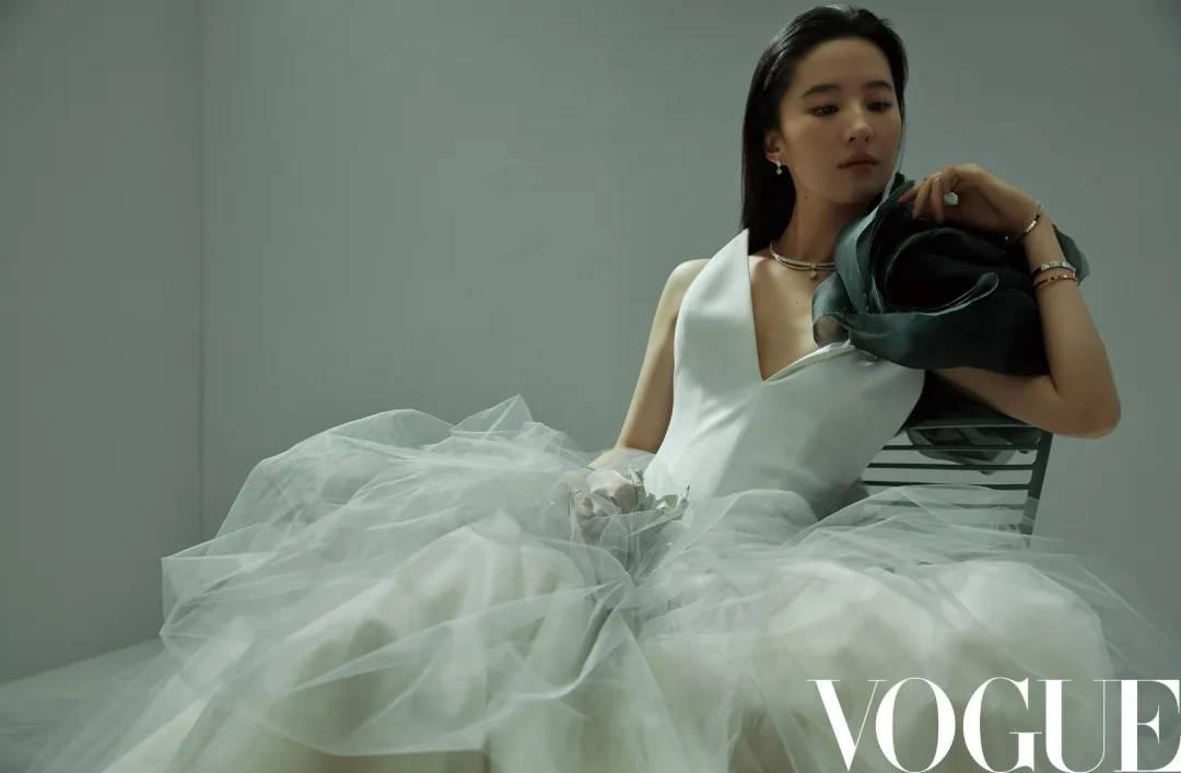 外国的月亮比中国圆?谁说华人不能定义时尚