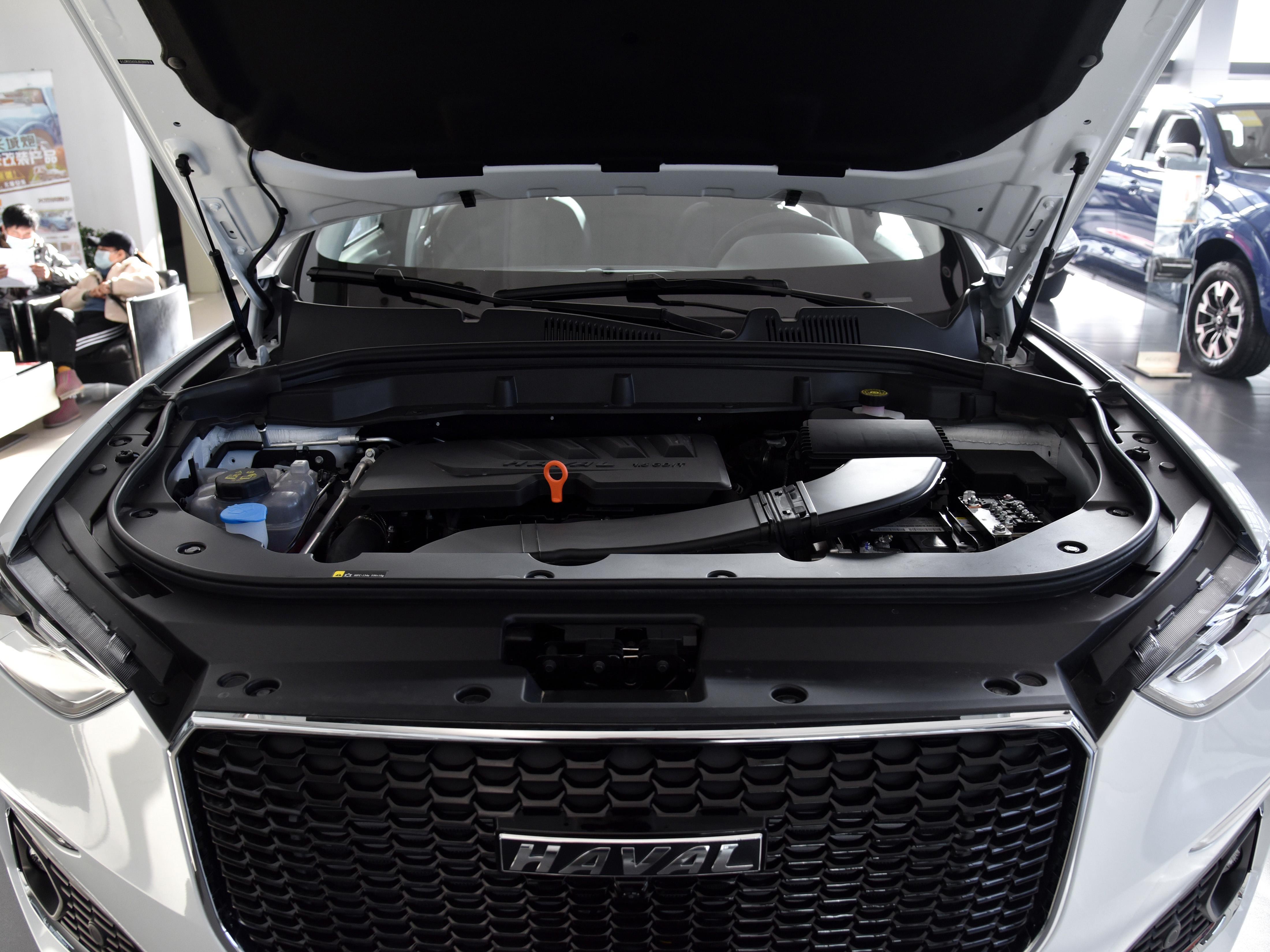 实惠的紧凑型SUV,实拍哈弗F5,油耗6.6L