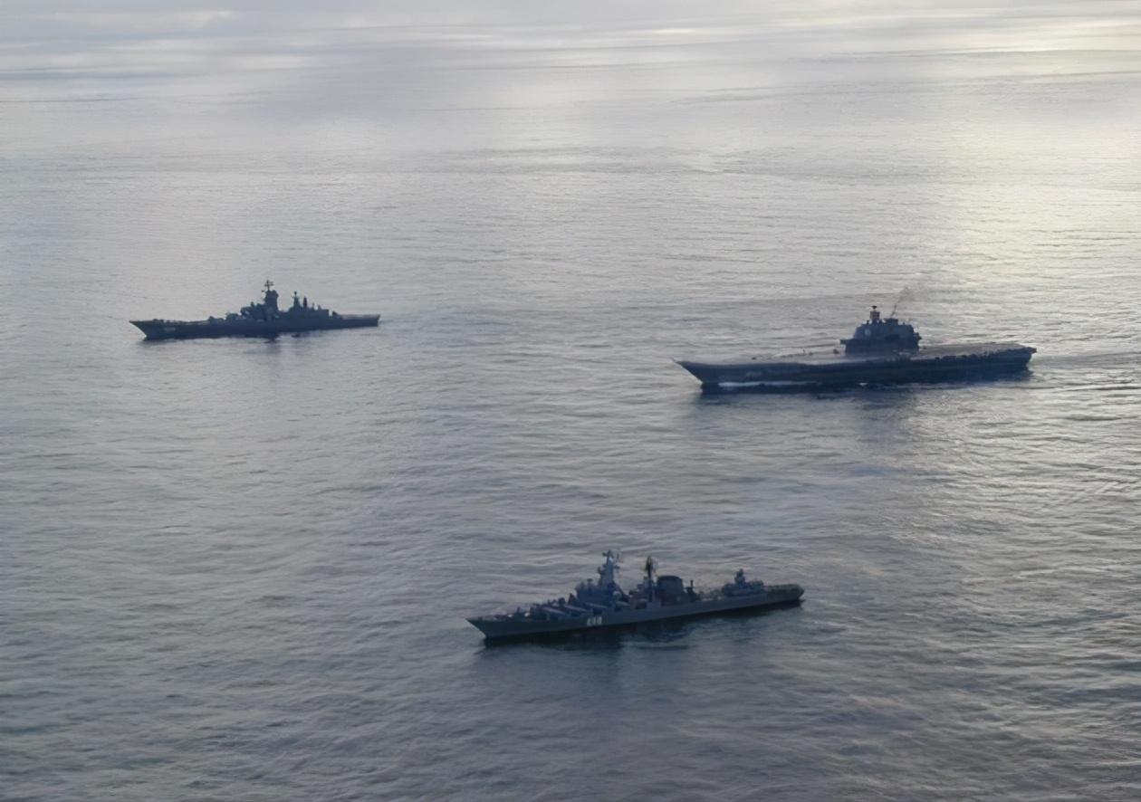 首相之位还没坐稳,菅义伟就遭邻国武力威慑,6艘战舰强势闯入