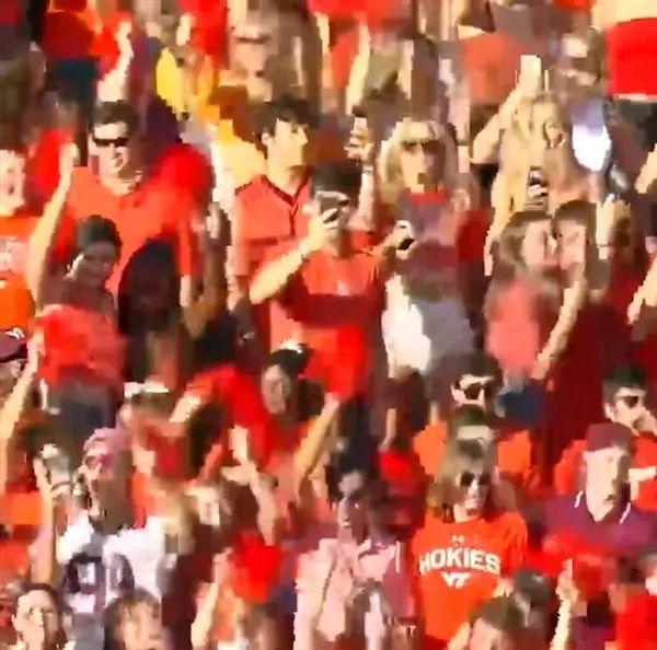 美6万多球迷同场狂欢引发地震,场内看不到口罩!