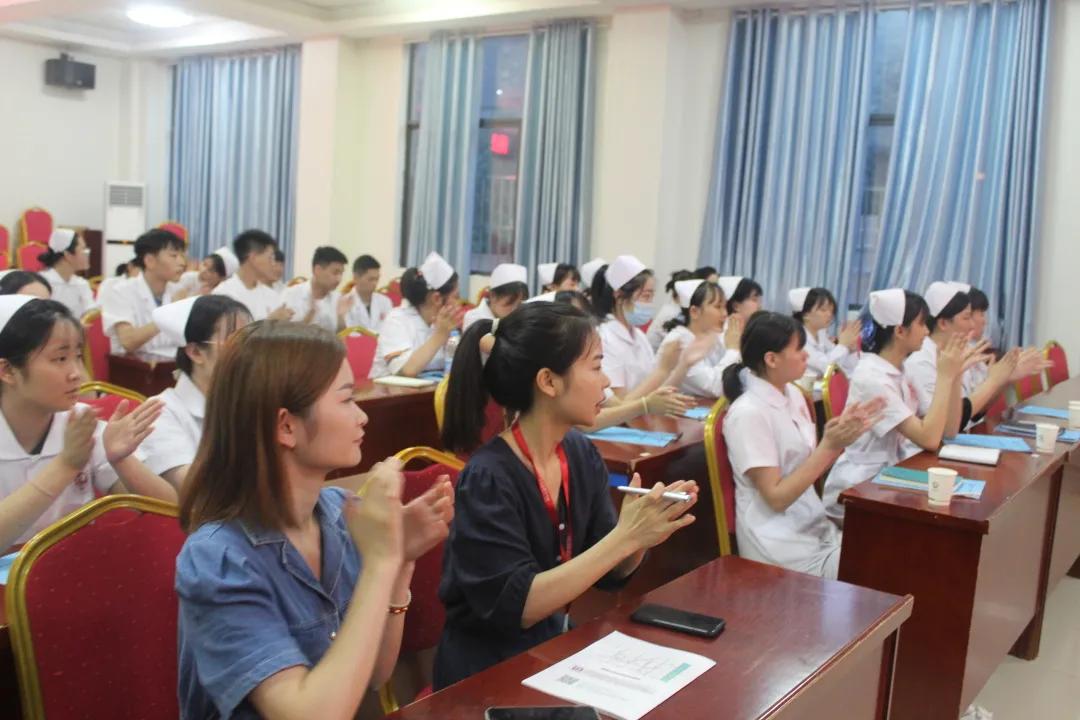 医路前行从此始,爱满人间是天使—19级护理专业学生进入临床实习