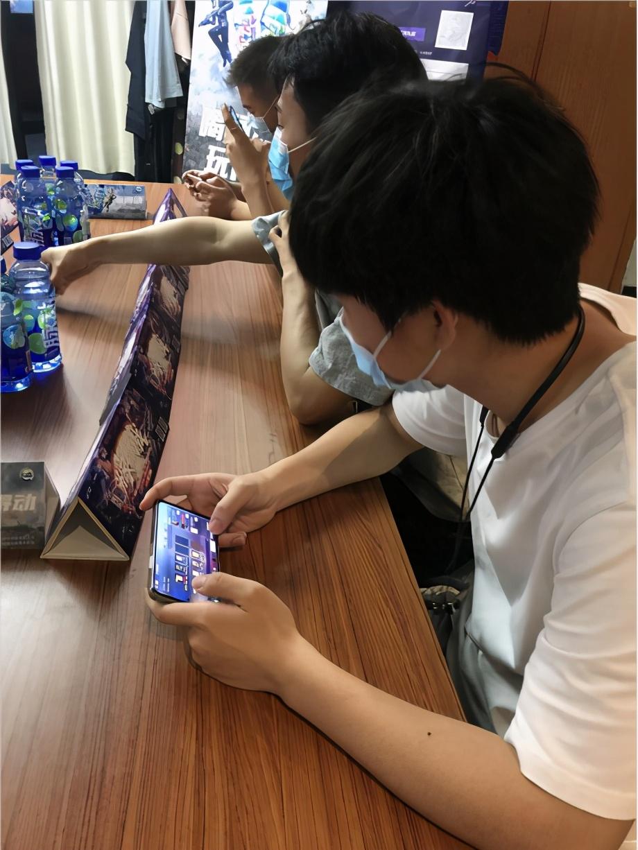 《穿越火线:枪战王者》百城联赛M南昌景区外卡赛