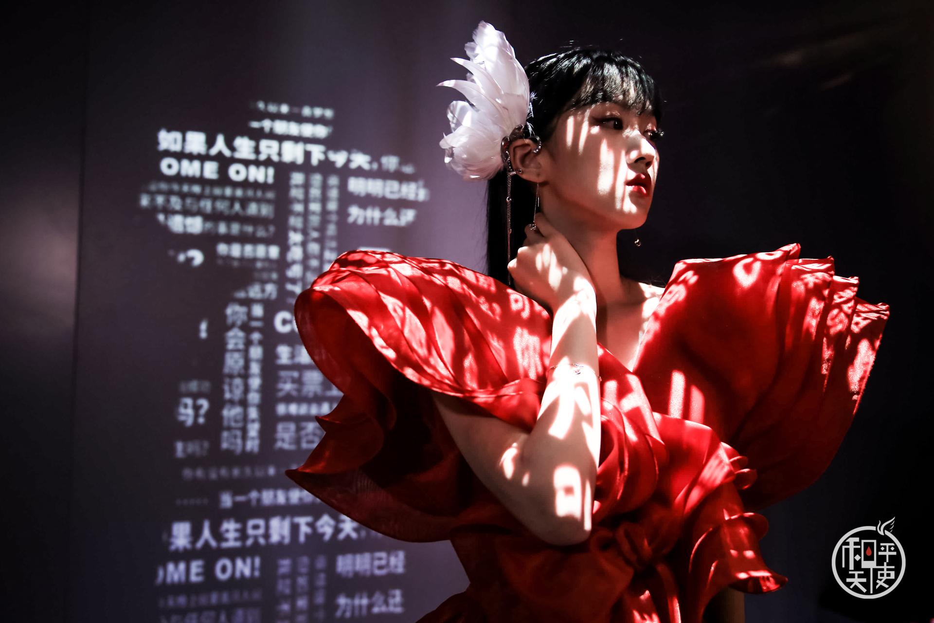 约看展|周大福和平天使概念艺术展携手王凯闪耀新品登陆上海