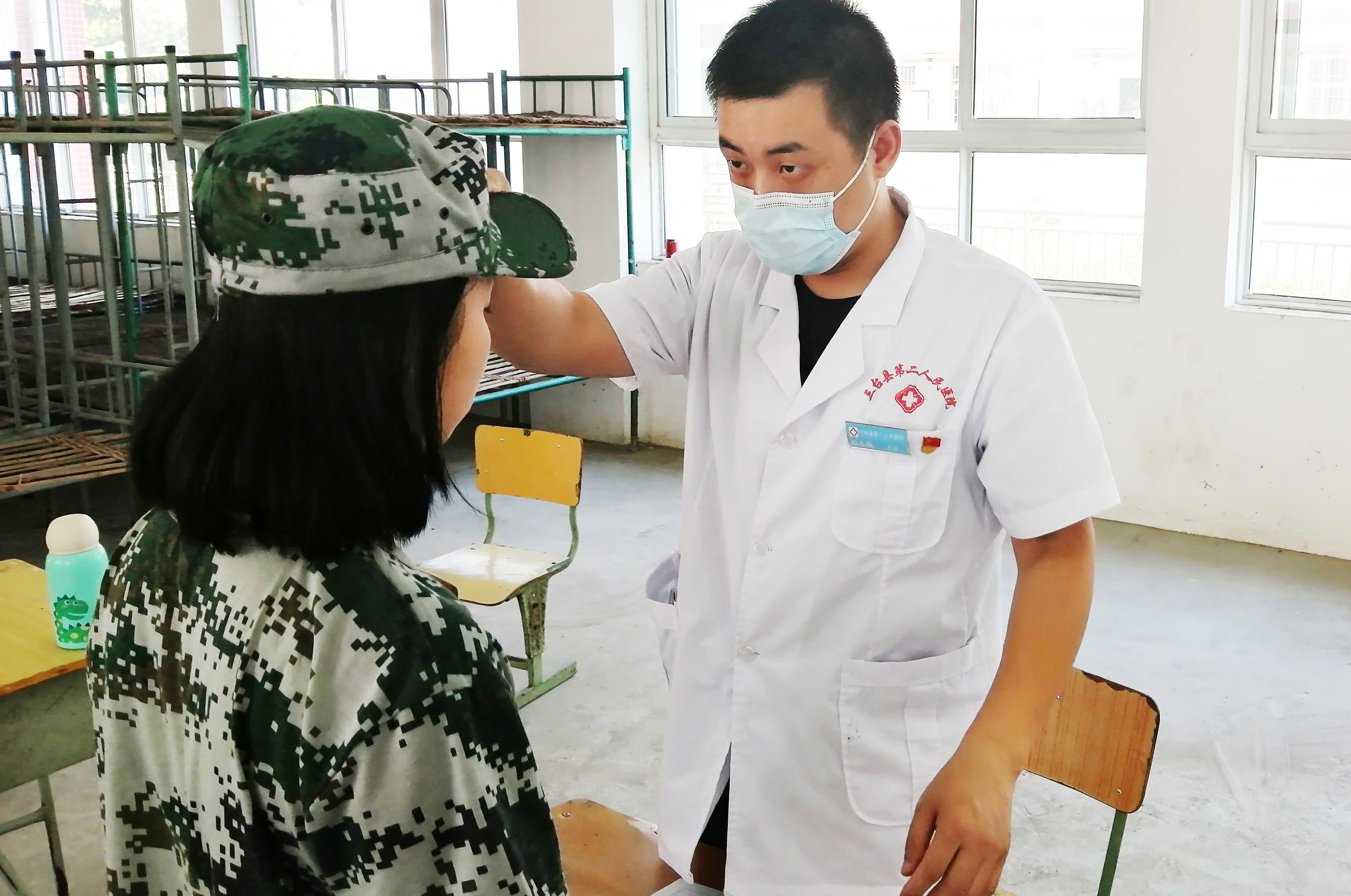 三台县芦溪镇中心卫生院开展党员志愿服务进学校主题党日活动