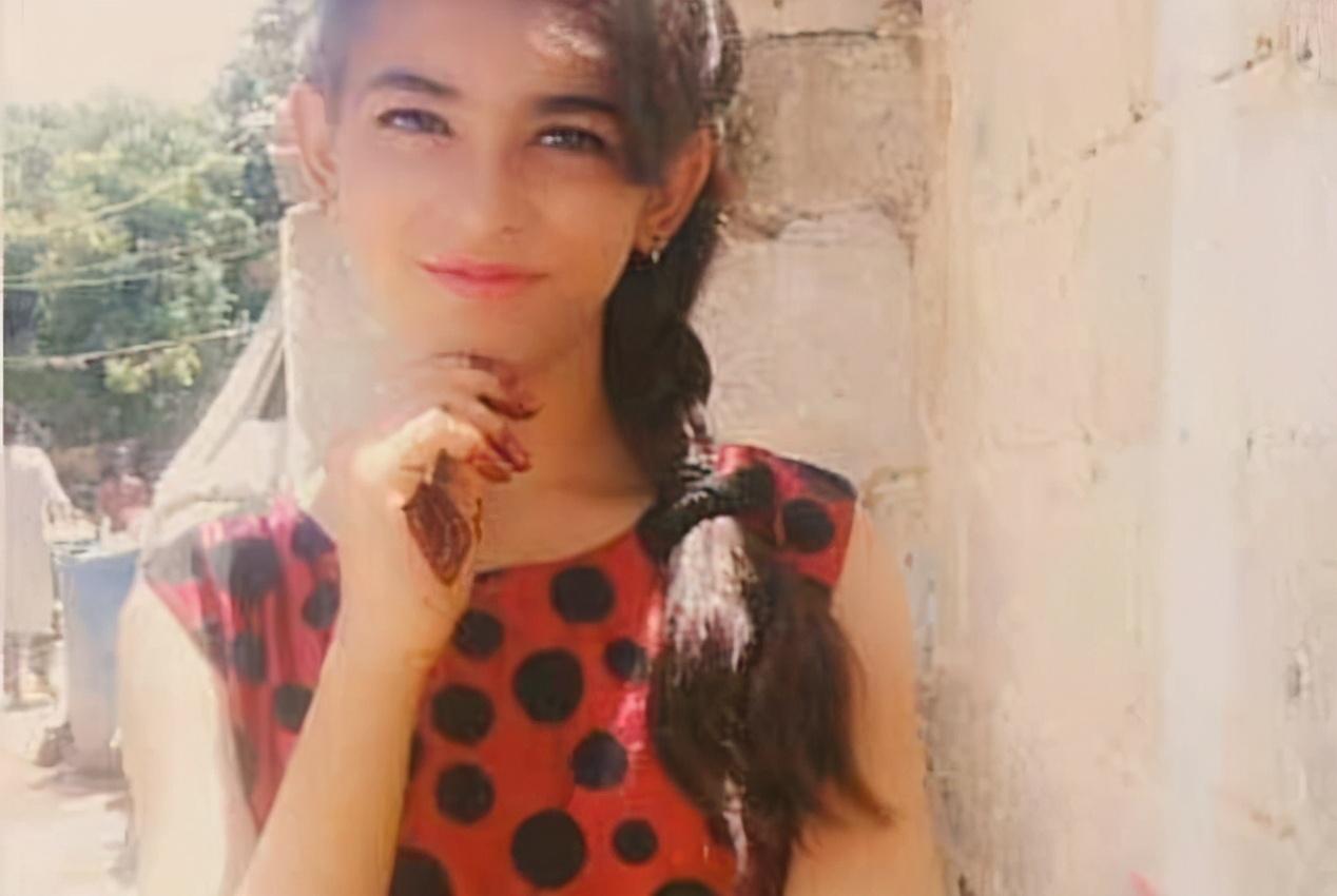 荒谬!13岁女孩在家被绑架,强迫嫁给老男人,法院却称婚姻有效
