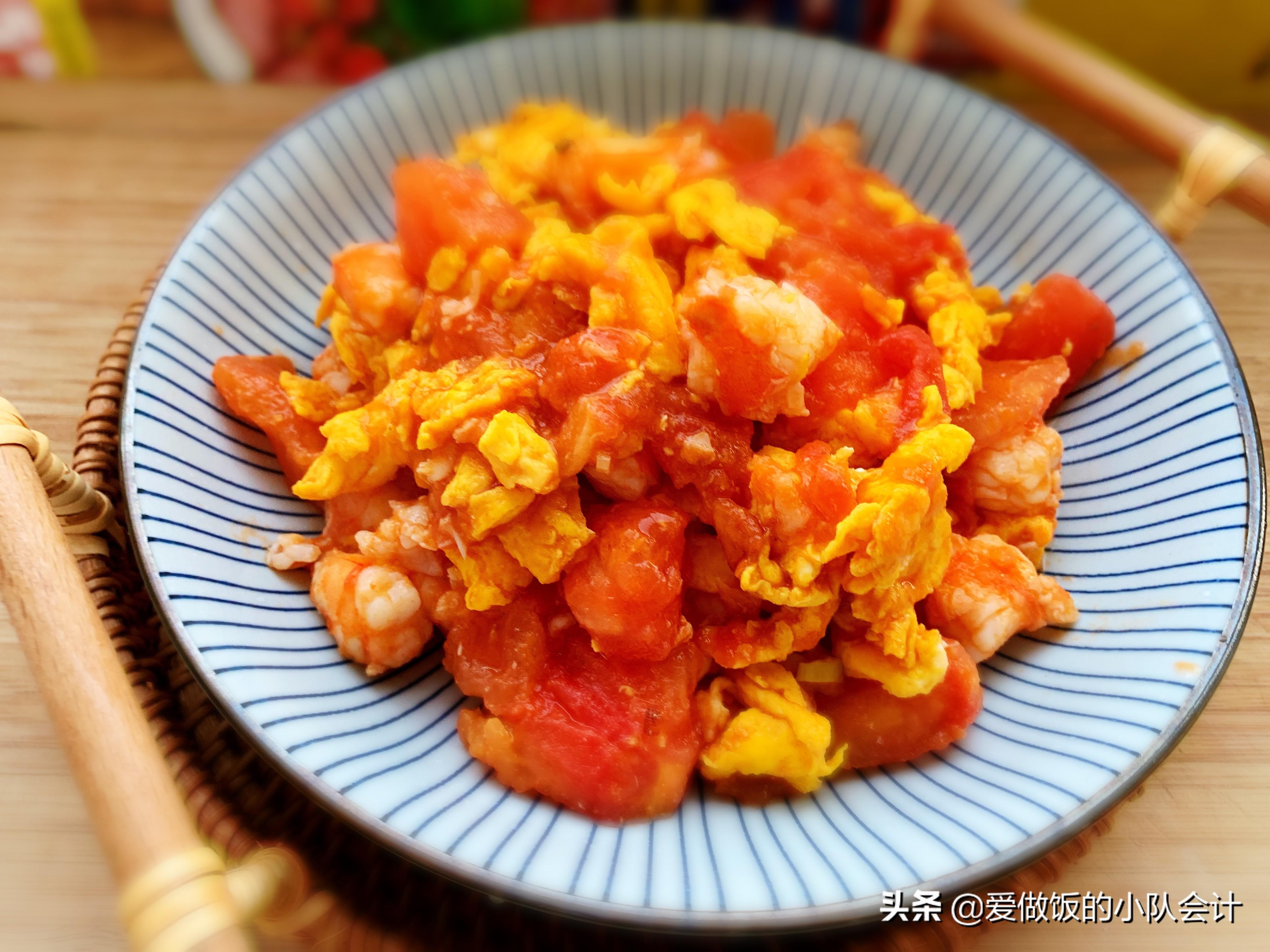 做西红柿炒鸡蛋,最怕直接下锅炒,牢记2点,汁浓蛋嫩味道香 美食做法 第3张