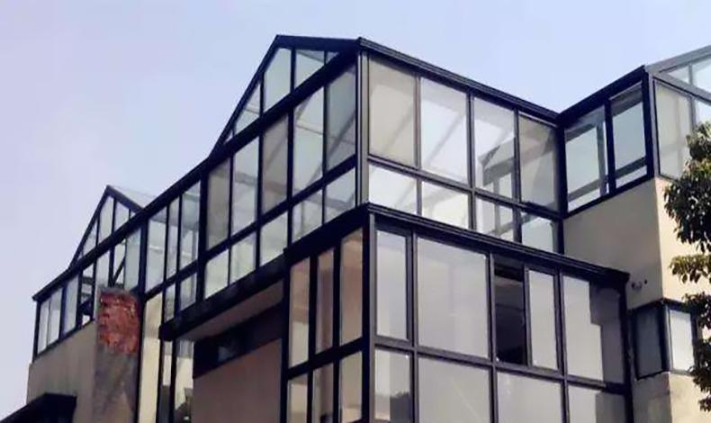 买不起别墅洋房,那就买顶楼,再搭个阳光房,胜过千万豪宅