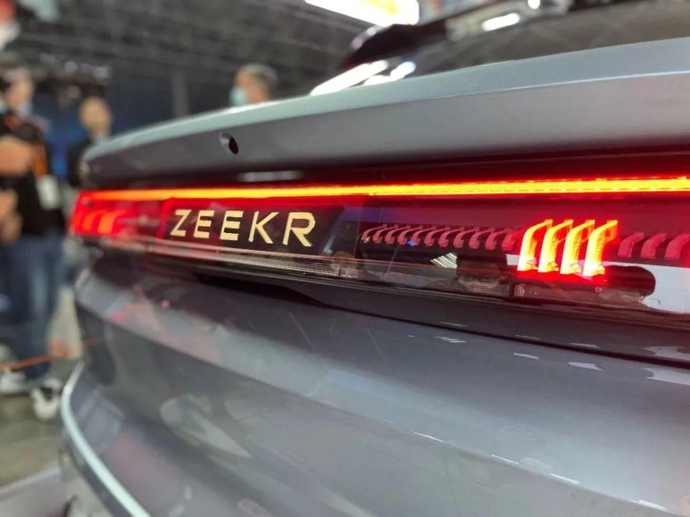 针刺试验只冒烟、不起火,ZEEKR 001刷新三元锂电池安全新高度