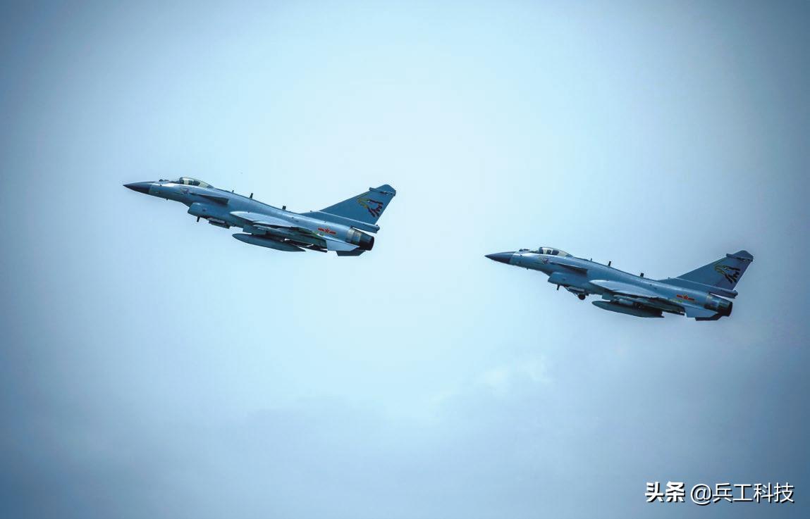 没有短板的木桶,飞行教官谈歼-16战斗机