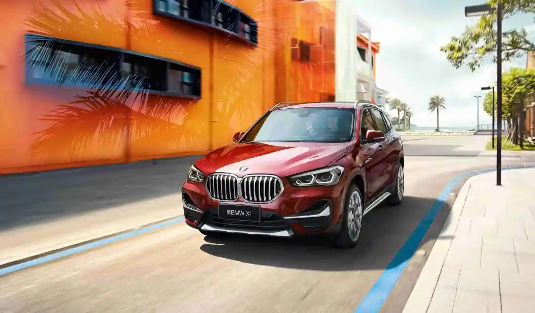 选择大空间豪华品牌紧凑型SUV,宝马X1准没错
